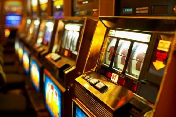 Игровые автоматы когда начнут свою работу в киеве ограбление казино афиша херсон